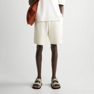 ZARA Men's Knit Jogger Shorts. Ecru Size L